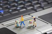 Свой бизнес: розничная торговля онлайн